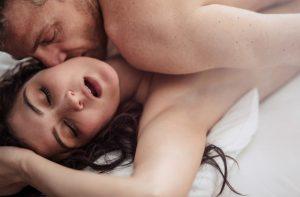 Read more about the article Οι στάσεις στο σεξ που λατρεύουν άντρες και γυναίκες