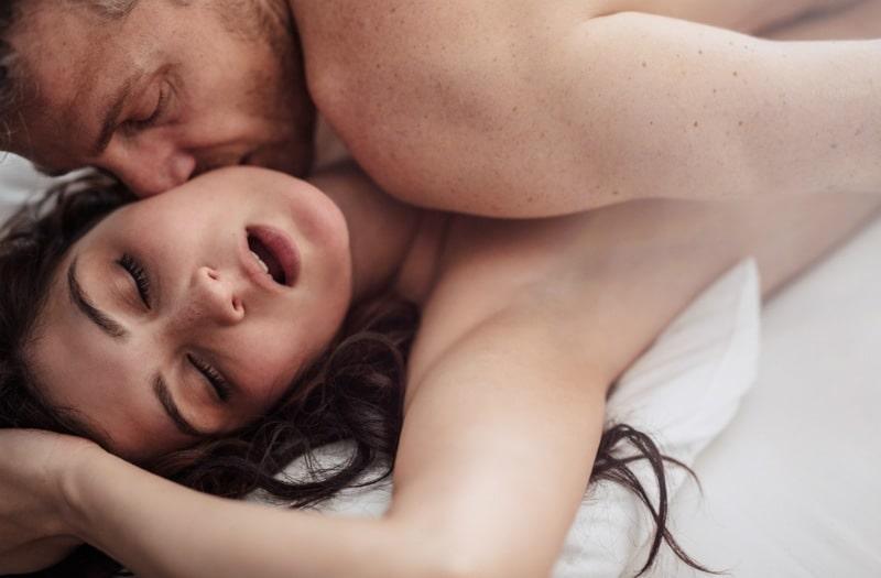 Οι στάσεις στο σεξ που λατρεύουν άντρες και γυναίκες